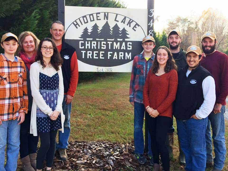 Christmas Tree Farm Family Photos.Hidden Lake Christmas Tree Farm
